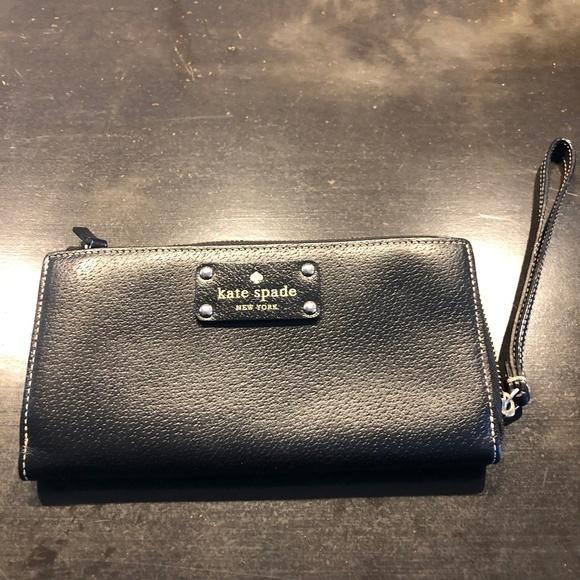 Kate Spade Handbags - Kate Spade New York Wellesley Layton Wallet